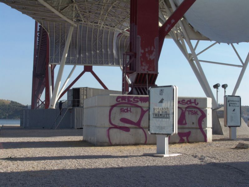 '4 Containers, 1 Drawing and One Landscape / A Bordo de Victor Hugo', Lisbon (PT) 2010
