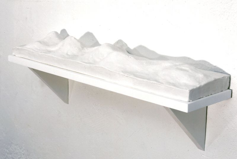from the series 'Portable Landscapes' / 'Domestic Panorama I', plaster, MDF and acrylic paint, 17 x 71,5 x 25,5 cm, 1998